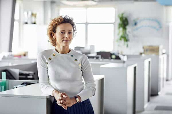 outplacement coaching - business women in office
